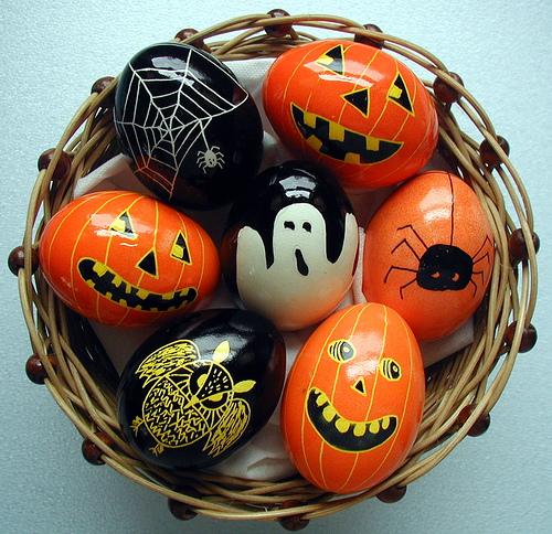 straszne pisanki - dekoracja na hallowen