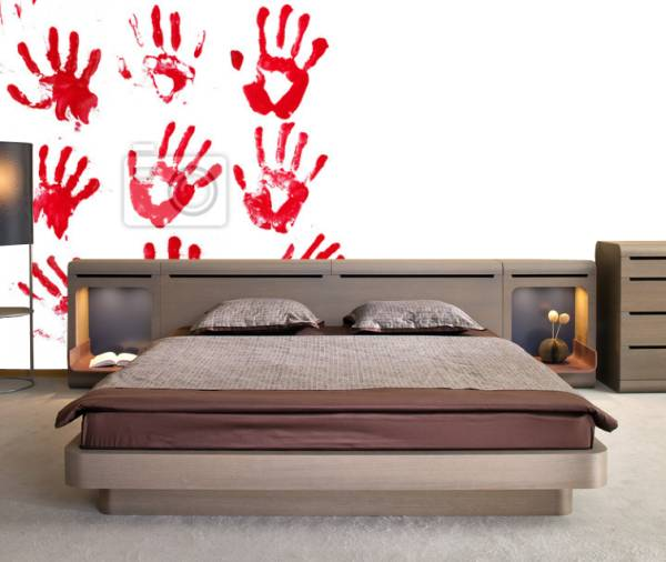 krew na ścianach - mroczny wystrój pokoju