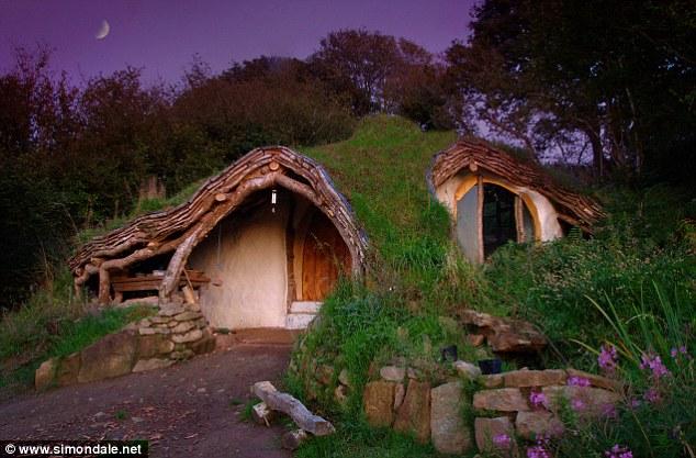 Domek hobbita - pomysł na projekt domu dla fanów fantasy i Tolkiena.
