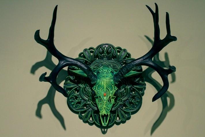 Niesamowite czaszki i poroża w stylu Fantasy.