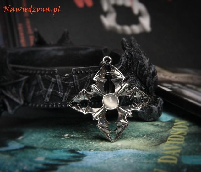 gotyckie dodatki gotycka biżuteria - wisiorek z nietoperzami, amulet