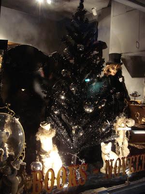 czarna mroczna gotycka choinka