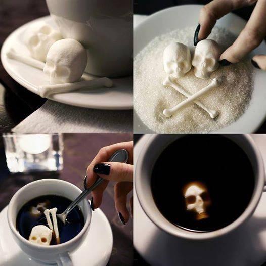 czaszki i kości - kostki cukru na halloween